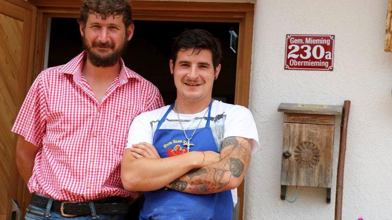 Martin Reich und Fabio Riml sind die neuen Alm- und Hüttenwirte auf der Hochfeldern Alm, Foto: Knut Kuckel