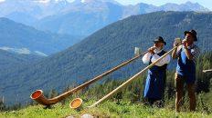 Alphornbläser beim Almfest auf der Marienberg Alm, Foto: Knut Kuckel