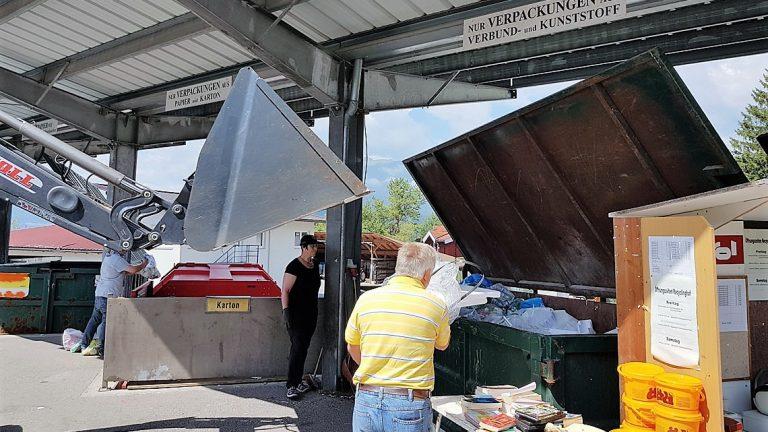 "Recyclinghof in Untermieming - ""Samstag ist Mülltag"", Foto: Knut Kuckel"