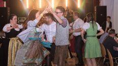 Tanz ins neue Jahr 2018 beim Jungbauernball in Mieming. Fotos: Katharina Deutinger/Elias Kapeller